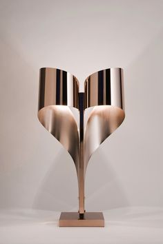 Luxury but Quite Cheap Contemporary Modern Table Lamps Cool Lighting, Lighting Design, Lamp Design, Rose Gold Interior, Table Lamps For Sale, Table Lamp Base, Light Architecture, Vintage Lamps, Interior Lighting