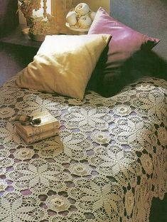Beige bedspread with diagram Crochet Bedspread, Crochet Tablecloth, Afghan Crochet Patterns, Crochet Motif, Crochet Shawl, Crochet Video, Thread Crochet, Crochet Patron, Crochet Dollies
