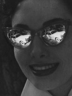 Robert Doisneau  //   Advertisement  -  Publicité Simca 1953