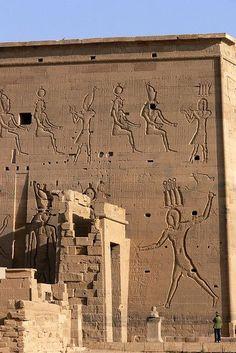 Egitto vacanze, Tempio di Edfu http://www.italiano.maydoumtravel.com/Pacchetti-viaggi-in-Egitto/4/0/