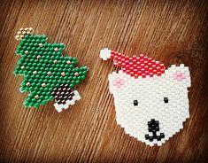 On prépare Noël ! #handmade #faitmain #miyuki #perlesmiyuki #perlesaddict #perles #sapin #noel #ours #christmastree #christmas #jenfiledesperlesetjassume #perlesandco #madebyme #diy