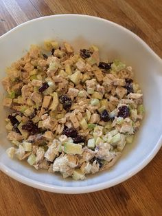 CHICKEN SALAD WITH APPLES AND CRANBERRIES http://anastasiapollack.blogspot.com/2018/05/cooking-with-cloris-chicken-salad-with.html