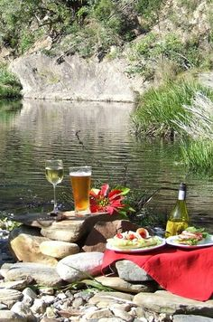 Gypsy Living Traveling In Style  Serafini Amelia  Romantic Lifestyle- Gypsy Living-River picnic.