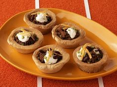 http://www.foodnetwork.com/recipes/paula-deen/chili-in-a-biscuit-bowl-recipe/index.html