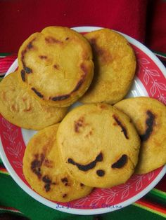 Gorditas de Maiz1 3/4 cup hot water 1/2 teaspoon salt 2 cups masa harina, yellow or white 2 teaspoons chile ancho powder 1 teaspoon baking powder 1 1/2 tablespoons olive oil, plus more for cooking#fast, easy, affordable, cheap, vegetarian, vegan, gluten-free, make substitutions delicious