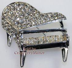 Pell Brooch, Piano Brooch, Figural Pin, 1950s Crystal Rhinestone Musical Brooch…
