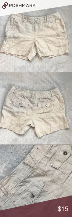 I.N.C Linen Curvy Fit Shorts I.N.C International concepts linen curvy fit shorts. Rhinestone rivet embellishments. Utility pockets in the front and patch pockets in the back. Mid rise curvy fit with a zipper and double button closure. Price is firm.   Size 4  Waist- 15in  Rise- 6in  Length- 14 in INC International Concepts Shorts