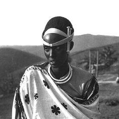 Rwandan Princess #EmmaBakayishonga✨  #NoirWoman #NoirBeauty #lemagazinenoir #BlackBeauty #AfricanWoman #AfricanBeauty #Rwanda #Africa