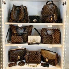 LOUIS VUITTON Official Website: Choose your country or region, pick-up your language and find the right version for you Fall Handbags, Hermes Handbags, Louis Vuitton Handbags, Purses And Handbags, Hermes Bags, Hermes Birkin, Luxury Bags, Luxury Handbags, Latest Bags