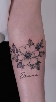 Mini Tattoos, Black Tattoos, Body Art Tattoos, Unique Tattoos, Beautiful Tattoos, Half Sleeve Tattoos Forearm, Wild Rose Tattoo, Best Tattoo Ever, Cute Tattoos For Women