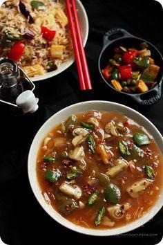 Mushroom in Garlic Sauce Recipe   Indo-Chinese Recipe for Mushroom in Creamy Garlic Gravy