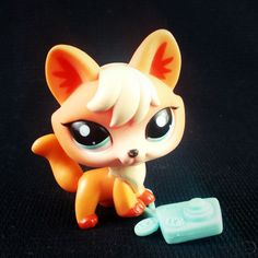 Littlest Pet Shop 1812 Orange Fox LPS Toy HASBRO 2007 Blue eyes Realistic Camera