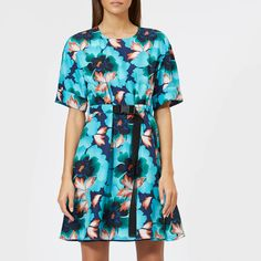 Get KENZO Women's Indonesian Flower Dress - Navy Blue now at Coggles - the one stop shop for the sartorially minded shopper. Free UK & EU delivery when you spend Latest Fashion Dresses, Latest Dress, Fashion Outfits, Sweaters For Women, T Shirts For Women, Clothes For Women, Indonesian Women, Navy Blue Dresses, Dress Styles