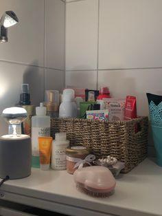 Beauty Care, Beauty Skin, Skin Tips, Room Organization, Skin Makeup, Self Care, Body Lotion, Body Care, Hair Care