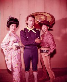 MELODY PATTERSON F TROOP TV SHOW  8x10 PHOTO C6023