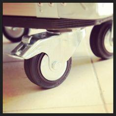 Flight case onduleur sur planche à roulettes  Vexi.fr