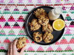 Ces galettes nourrissantes au fin goût d'agrumes et d'amandes se marie parfaitement à votre café de fin d'après-midi, comble votre fringale de matinée, et peut même servir de petit-déjeuner sur le pouce.