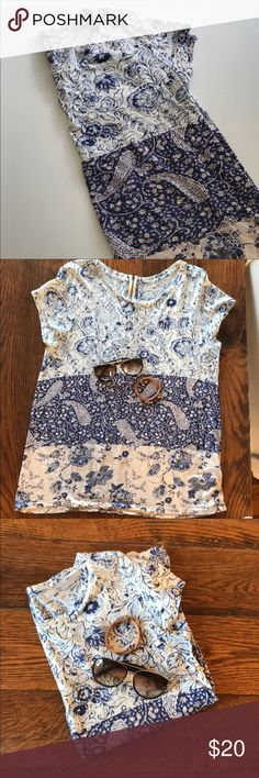Lucky Brand Blue Floral &Paisley Mixed Print Tee Large Lucky Brand Tri-Pattern Tee. Good condition, pet free smoke free home. Lucky Brand Tops