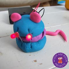 Playdough is great for so many reasons and now you can use it to teach the basics of electricity to your budding inventors. Reflective Practice, Brownie Girl Scouts, Inventors, Circuits, Interactive Design, School Projects, Make Your Own, Play Dough, Shapes