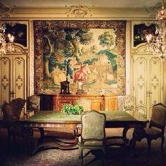 Dining room @ Villa Zegna.