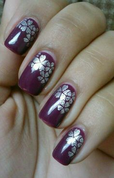 Inspires by Emerald Sparkle Nail Art