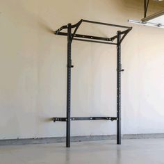 People in apartments can feel like they don't have room for a home gym when they actually do! There are plenty of ways to get big results in a small space. Home Gym Garage, Basement Gym, At Home Gym, Basement Ideas, Pesca Sub, Home Gym Design, Gym Room, Pull Up Bar, Ceiling Height