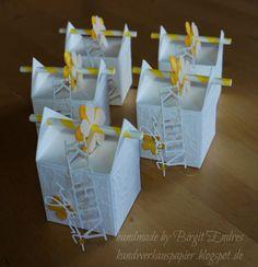 Heute habe ich mal wieder eine Strohhalmbox in flüsterweiss und leuchtendem osterglockengelb gewerkelt. Kleine Verpackungen braucht man imme... Diy And Crafts, Arts And Crafts, Paper Embroidery, Favor Boxes, Gift Boxes, Mother And Father, Paper Gifts, Stamping Up, Craft Gifts