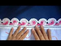 If you looking for a great border for either your crochet or knitting project, check this interesting pattern out. When you see the tutorial you will see that you will use both the knitting needle and crochet hook to work on the the wavy border. Crochet Edging Patterns, Crochet Lace Edging, Crochet Borders, Crochet Designs, Crochet Flowers, Crochet Stitches, Pinterest Crochet, Crochet Elephant, Easy Crochet Projects