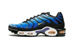 Neon Nike Shoes, White Nike Shoes, Blue Shoes, Men's Shoes, Nike Air Max Plus, Nike Air Max Tn, Blue Air Max, Kicks Shoes, Nike Vapor