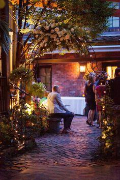 Beautiful Dusky Lighting At Morning Glory Inn On Pittsburgh S Historic South Side Howard Kim