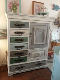 Annie sloan Old white Amsterdam Green en giverny mixed mixed with old white  Paris grey and french linen