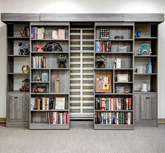 Murphy beds transform any room into a comfortable sleeping space. View creative design ideas including sliding bookshelves, custom cabinets and closets. Murphy Bed Office, Best Murphy Bed, Murphy Bed Plans, Diy Murphy Bed, Bed Shelves, Wall Bookshelves, Cama Murphy, Closet Works, Horizontal Murphy Bed