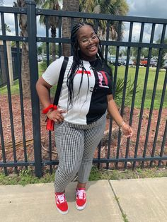 Thick Girls Outfits, Curvy Girl Outfits, Tomboy Outfits, Curvy Women Fashion, Teen Fashion Outfits, School Outfits, Plus Size Outfits, Plus Size Fashion, Casual Outfits