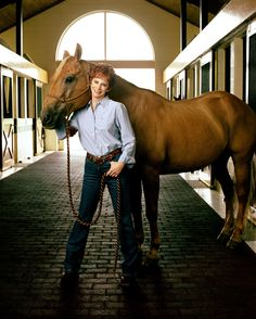 Reba McEntire...great pose to incorporate a horse