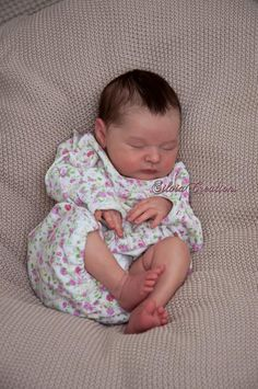 Baby Skin, Bebe
