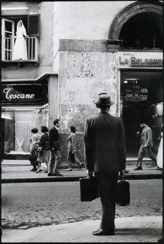 :        Leonard Freed - Naples, 1958.