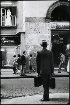 Naples, 1958 from Leonard Freed <---Italia!...a very special place...I need to get back there