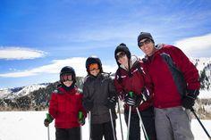 Ferie? Najlepszy czas na wyjazd całą rodziną na narty! Sprawdź, jak przygotować się do ferii z dzieckiem.  #ferie #zima2016 #narty