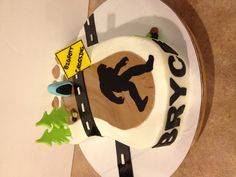 Bigfoot Cake - @Krista McNamara Walsh-Guy you need to make this for my for my birthday! LMAO