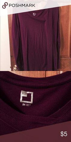 Maroon long sleeve tee size 2X Maroon long sleeves and v neck tee.  It is a 2X but is large. Could fit a small 3X. jcpenney Tops Tees - Long Sleeve