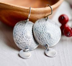 Textured Silver Disc Earrings Metalsmithed by EONDesignJewelry