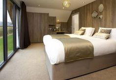 Enjoy everything a Holiday to York has to offer whilst staying in a luxurious countryside setting. Hotel rooms & multi-storey log cabin lodges available… Superior Room, Holiday Break, Weekend Breaks, Golf Clubs, Bed, Furniture, Home Decor, Decoration Home, Stream Bed