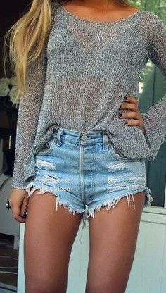 Spring Outfit - Sweater & shorts