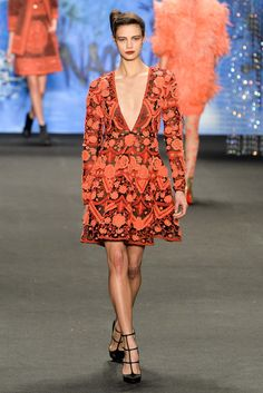 See the complete Naeem Khan Fall 2015 Ready-to-Wear collection.