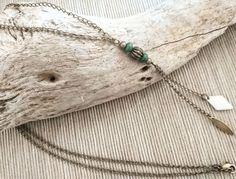 Collier long, pendentif perles bois et laiton, chaînes sur deux  longueurs avec perle losange et navette. par ByMindBokeh sur Etsy https://www.etsy.com/fr/listing/563489401/collier-long-pendentif-perles-bois-et