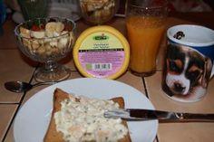 Bei Sören gabs einen tollen Start ins neue Jahr mit einem super guten Frühstück: Gluten freies Toastbrot mit Vleischsalat vom Tofutier und einen Obstsalat.