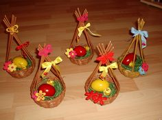paper pedig Newspaper Basket, Newspaper Crafts, Craft From Waste Material, Easter 2018, Origami Ball, Handmade Wooden Toys, Paper Weaving, Bird Theme, Easter Crochet