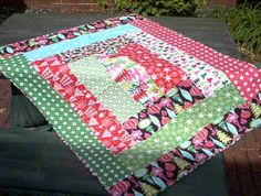 Serger Quilt. I made one of these a long long time ago and I still use it lots - simple and fun!