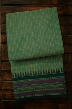 Cotton Sarees Handloom, Cotton Saree Blouse, Checks Saree, Cotton Sarees Online, Ethnic Looks, Time Tested, Thing 1, Kanchipuram Saree, Office Wear