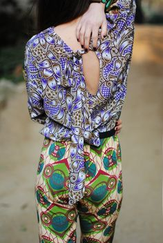 Vlisco ~ I love mixing prints . Mode Style, Style Me, Mode Wax, Bon Look, Fashion Models, Fashion Tips, Fashion Design, African Fabric, African Prints